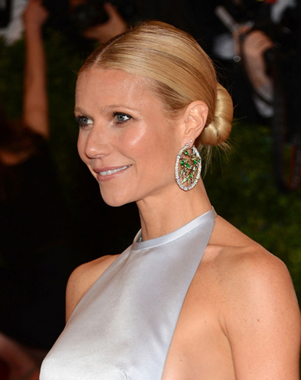 beauty-supply-outlet-how-to-wear-a-ponytail-thekit.ca-gwenyth-paltrow-post1