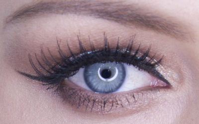 HOW TO: SOFT SMOKEY-EYE MED GLITTER
